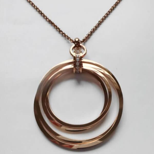 Anhänger bestehend aus 4 frei beweglichen Ringen -4 cm breitmit oberem Ring