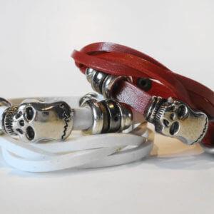 modisches Skull Kunstlederarmband Doppelreihig mit Druckknopfverschluss-2 Einstellungen möglich 18 cm oder 20 cm